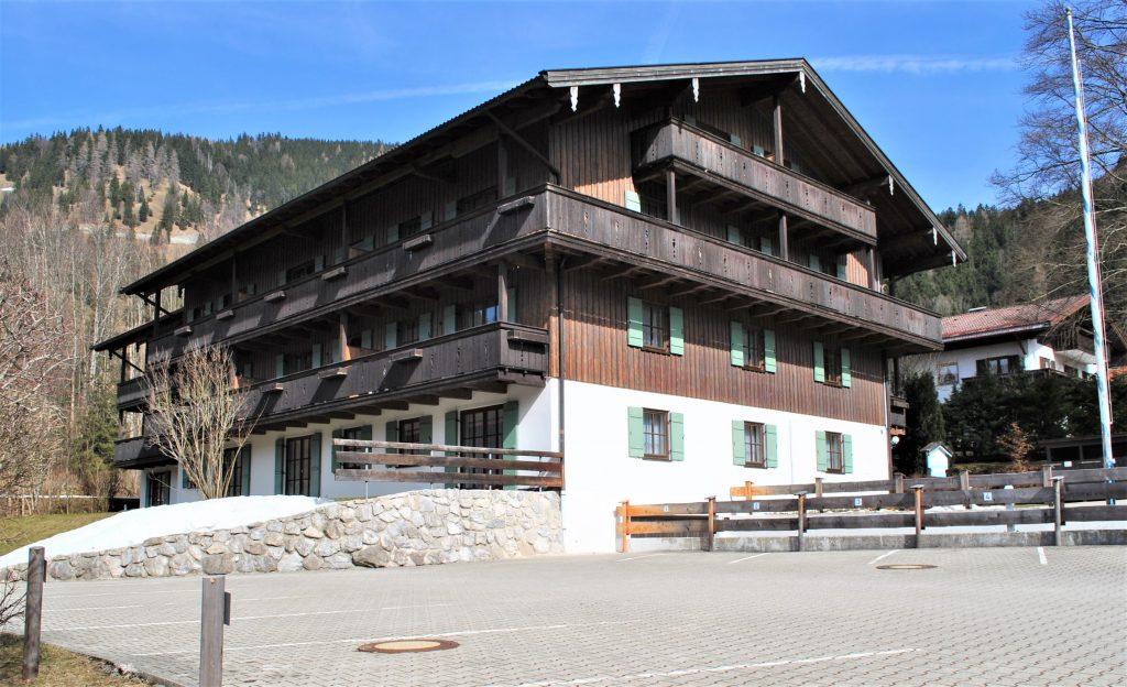 Schönes Haus im Alpenvorland