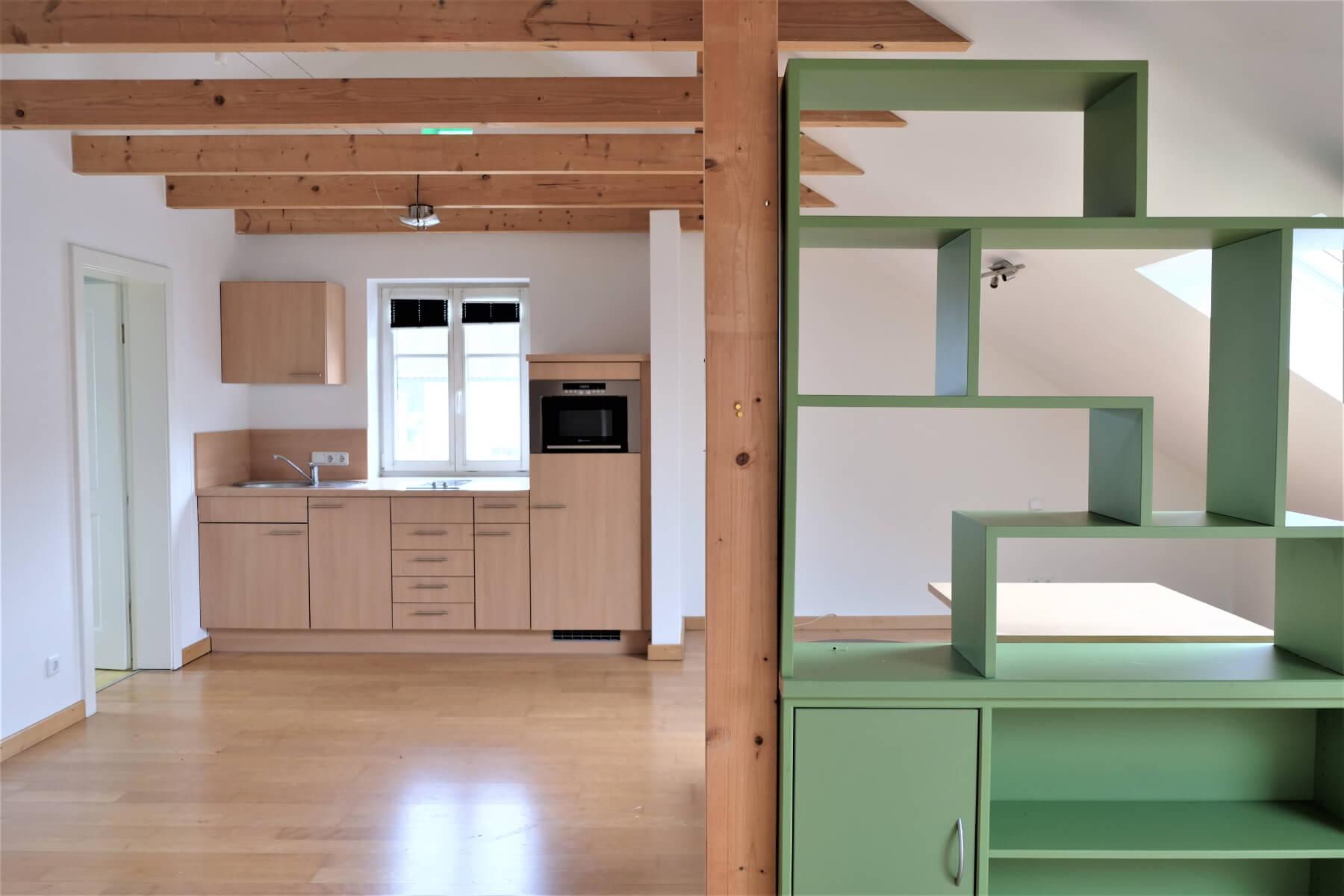 Dachgeschosswohnung mit Küche